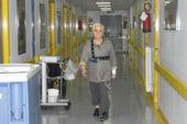 Anziani:  test della velocità del cammino per individuare chi operare