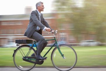 Andare in bicicletta al lavoro dimezza il rischio di tumore