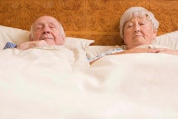 Invecchiando si dorme meno perché cervello non riconosce bisogno