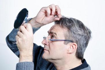 Individuata per caso la cellula che fa cadere e ingrigire i capelli