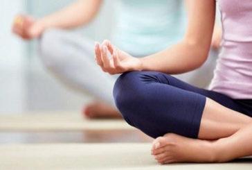 25 minuti al giorno di yoga e meditazione 'accendono' il cervello e l'energia