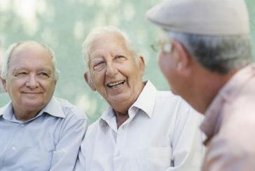 Alzheimer: un'ora di socializzazione a settimana migliora la vita dei pazienti