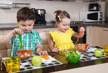Il trucco per far mangiare i figli è separare i cibi