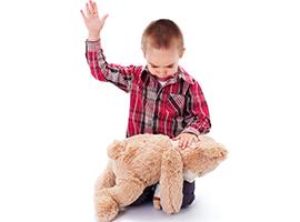 Se sculacciati, bimbi più aggressivi