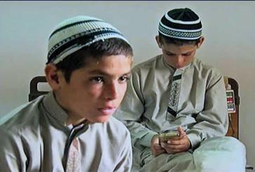 "Rebus in Pakistan: 3 bambini a ""energia solare"""