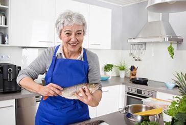 Ritardare il declino cognitivo degli anziani mangiando pesce