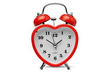 Dormire solo 5 ore a notte danneggia il cuore