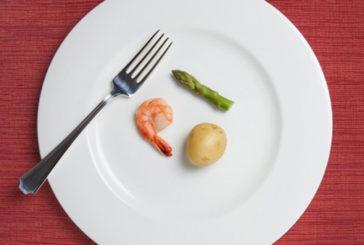 Aumentano le difese immunitarie contro tumori se si fa dieta stretta