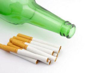Smettere di fumare aiuta anche a smettere di bere