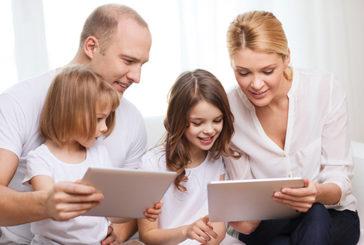 Le 7 regole d'oro per condividere foto e info bambini sui social