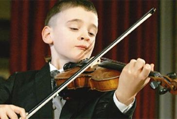 Al cervello dei bimbi fa bene suonare uno strumento musicale
