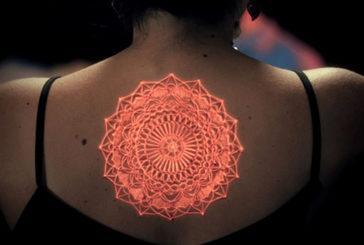 Le pelle diventa hi-tech, con display e tatuaggi animati