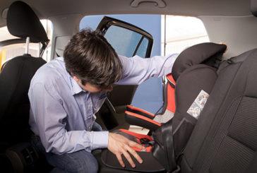 Neonati, auto in seggiolino per non più di 30 minuti