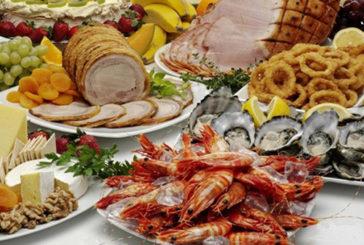 Sonnolenza post pranzo causata da troppe proteine e sale