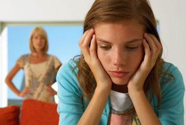 Emicrania, un 'filo' nel naso allevia il dolore dei ragazzi