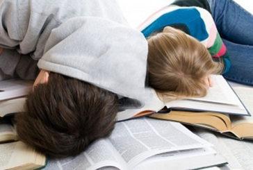 Sonno regolare per ottenere voti migliori durante gli esami