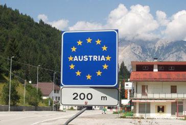 Vaccini, 130 altoatesini richiedono 'asilo' in Austria