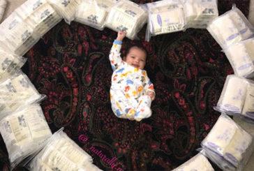 Neomamma fa scorta di latte per tornare a lavoro, la foto è virale