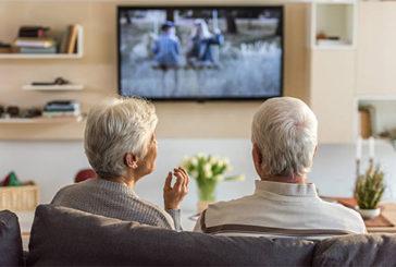 Dopo i 50 anni troppa tv fa male, provoca problemi di mobilità