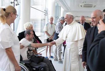 Gabriel scrive una lettera in ospedale, il Papa gli fa visita a sorpresa
