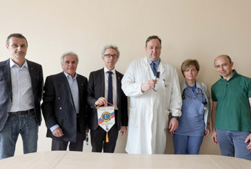I Lions Imola Host per l'Area Critica di Imola. Donato un videolaringoscopio