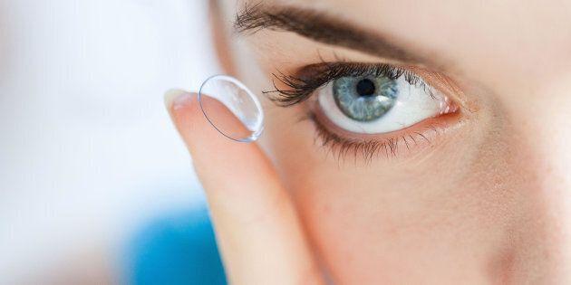 lente a contatto che rilascia il farmaco direttamente nell'occhio